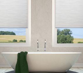 Látková roleta na míru v koupelně