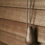 Dřevěné žaluzie vnitřní - jejich ovládání