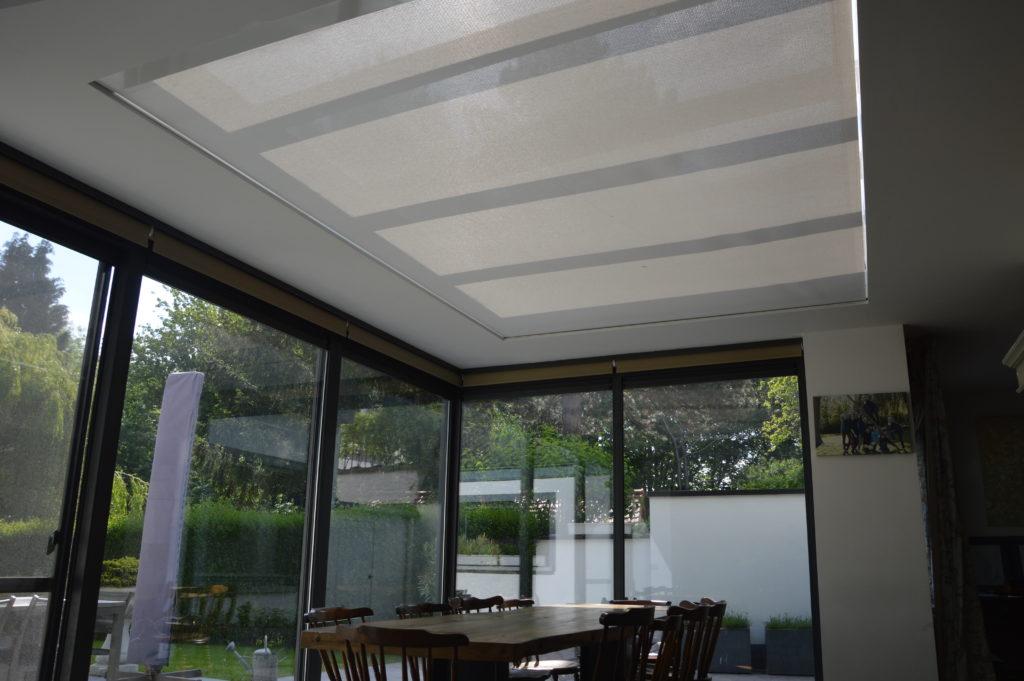 stínění proskleného stropu v zimní zahradě