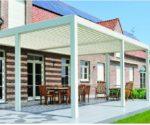 hliníková pergola Brustor 200 XL na terase u domu