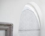 žaluzie Plisé v kulatém okně
