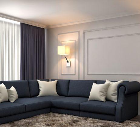 hnědé závěsy do oken v obývacím pokoji