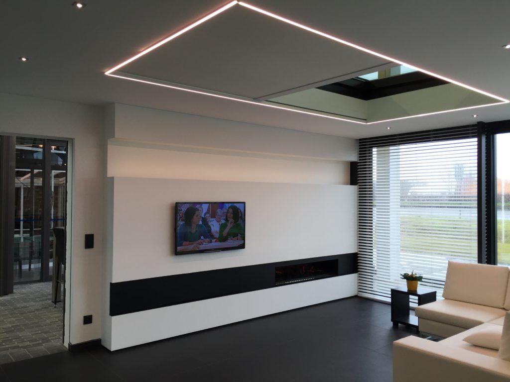 x-sky stínění proskleného stropu