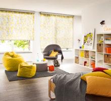barevná roleta v dětském pokoji