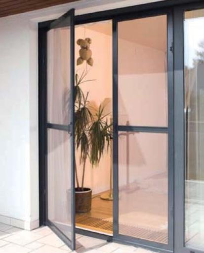 pevné dveřní sítě proti hmyzu