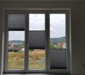 plisé žaluzie francouzská okna