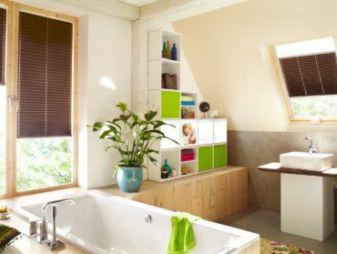 tmeve hnede zaluzie plise v koupelne