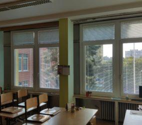 žaluzie Praha základní škola 3