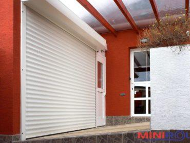 rolovaci garazova vrata s viditelnym boxem