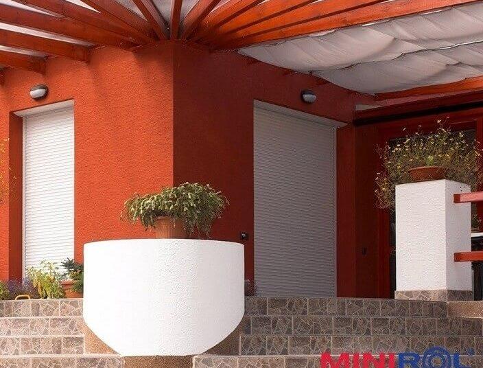 rolety pro venkovní zastínění oken