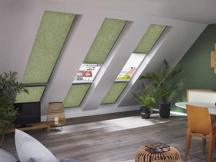 zelené rolety do střešních oken Velux a Roto