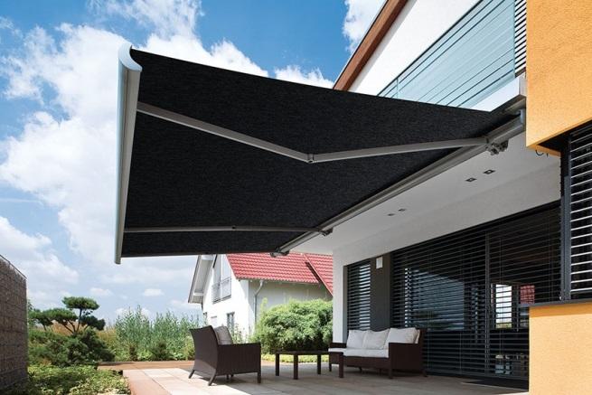 balkonové markýzy černé