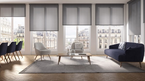 látkové rolety pro minimalistický styl bydlení