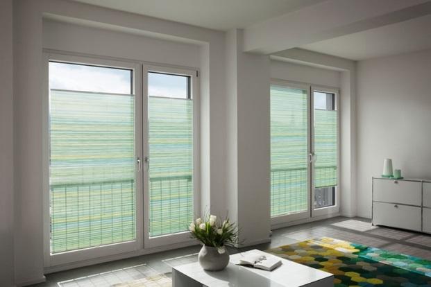 rolety a žaluzie ochrání nábytek před UV paprsky od slunce