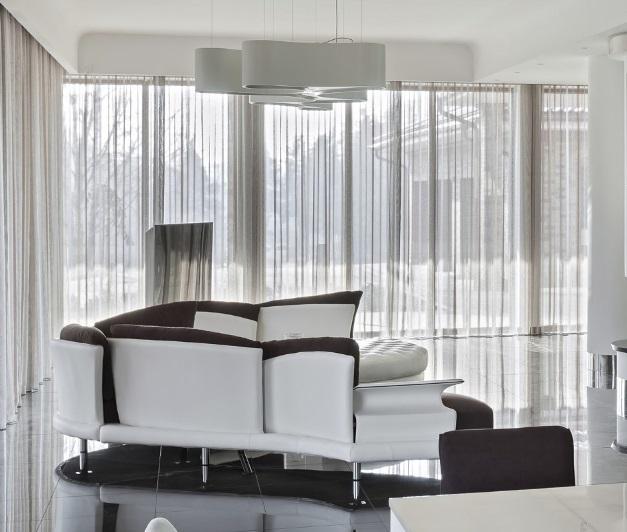 závěsy a záclony pro velká okna