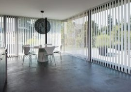 vertikální žaluzie vám poskytnou snížení hluku v interiéru