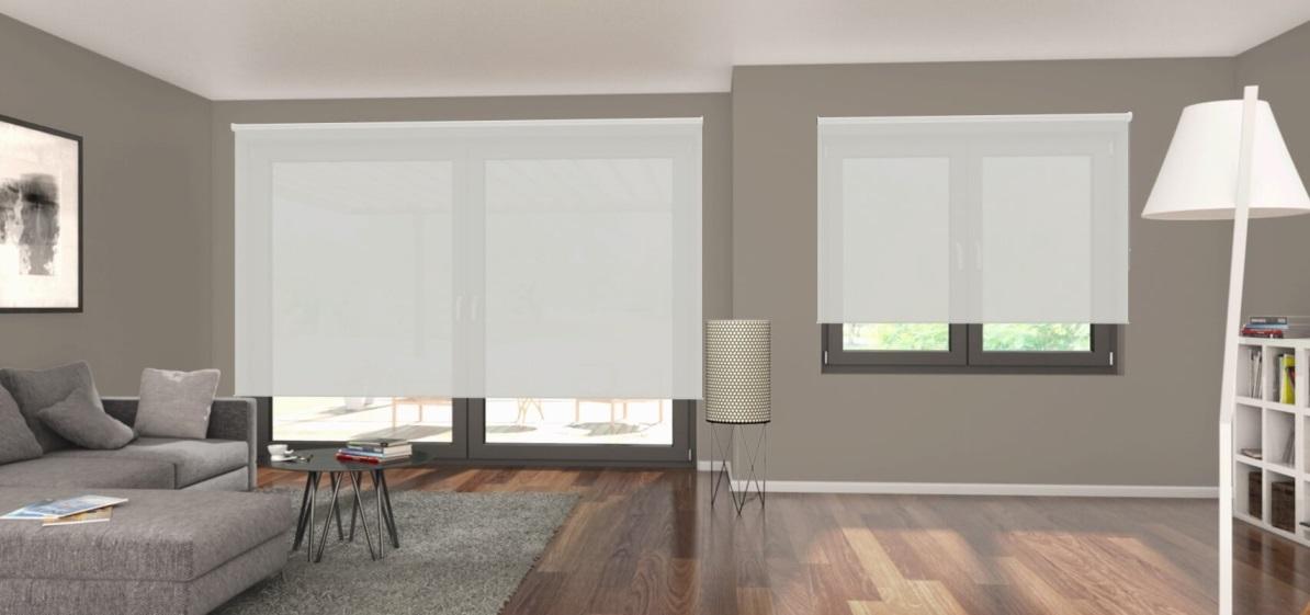 poloprůhledná bílá látková roleta R_03 v obývacím pokoji