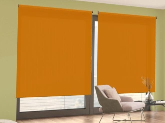 poloprůhledná oranžová látková roleta